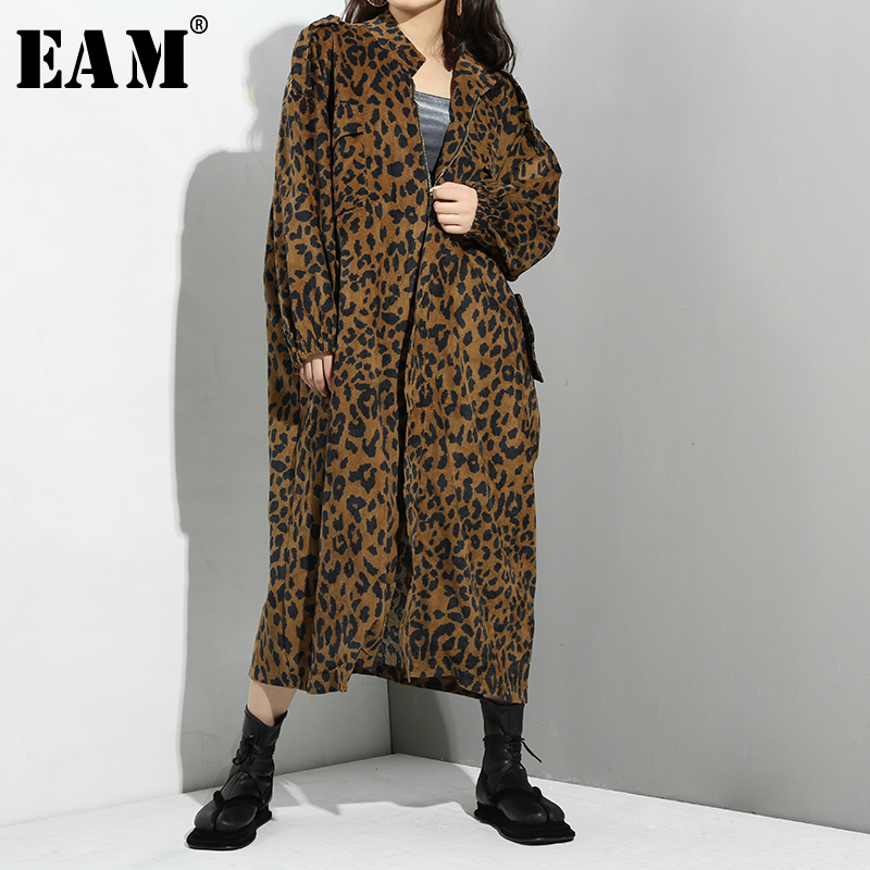 [EAM] 2019 New Spring Summer Stand Collar Long Sleeve Leopard Printed Loose Big Size Long Windbreaker Women   Trench   Fashion JS093