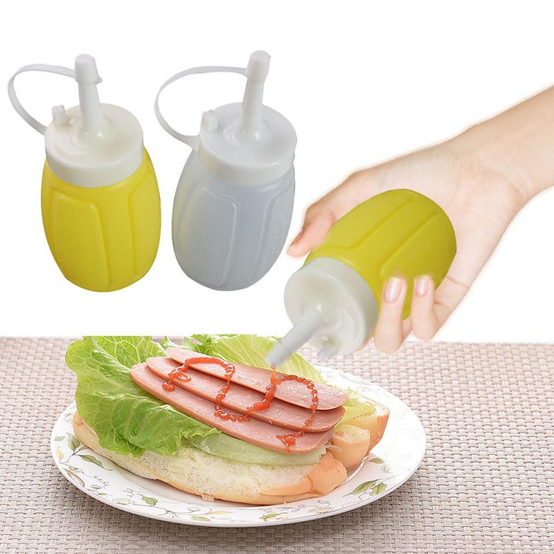 Small Size Plastic Sauce Squeeze Bottle Tomato Ketchup Cream Sauce Jam Salad Seasoning Bottle Dispenser Single Color Random image