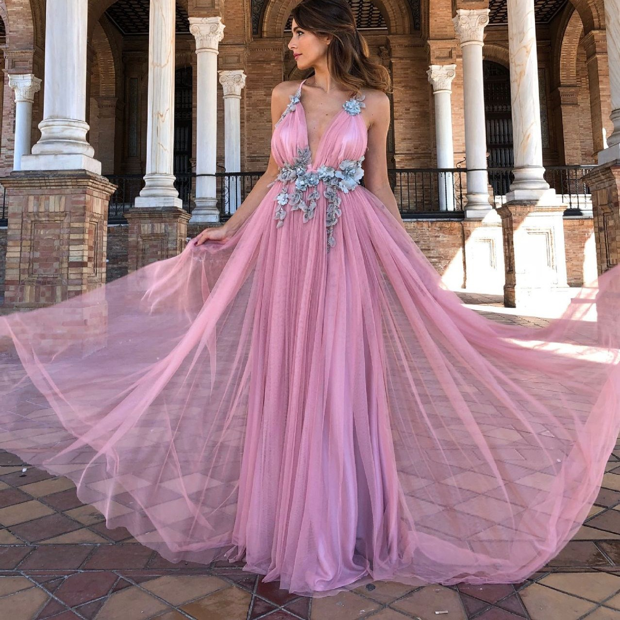 2019 Sexy Spaghetti Strap Deep V Tulle Long Dress Elegant Backless Court Train Flowers A Line Dress Special Occasion Prom Gowns