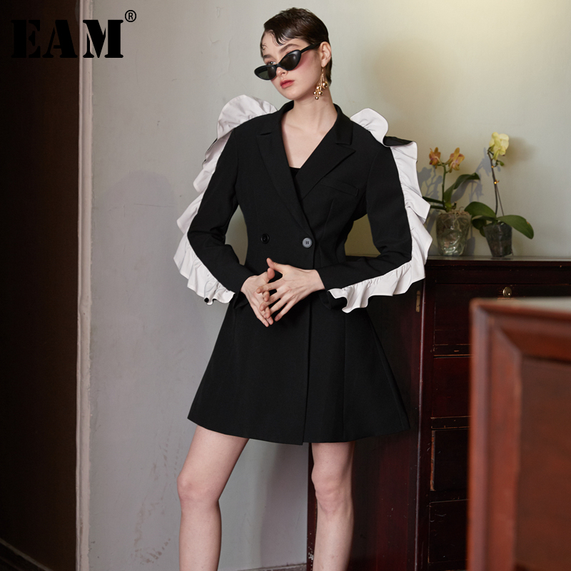 EAM 2019 Spring New Fashion Black Solid Button Pockets Ruffles Long Sleeve Casual Turn down