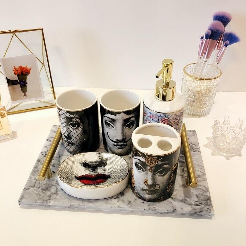 Populaire Fornasetti salle de bains ensembles 5 pièces en céramique décoration accessoires distributeur de savon porte-brosse à dents tasse toilette boîte de rangement chaud - 3