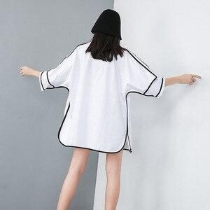 Image 4 - [Eam] 2020 Nieuwe Lente Zomer Revers Half Mouw Pocket Split Joint Losse Big Size Overisze Shirt Vrouwen Blouse mode Tij JT609