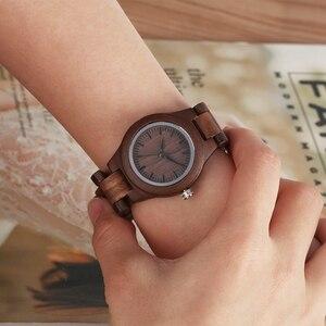 Image 4 - Einfache Reine Zifferblatt Retro Nussbaum Holz Uhr Frauen Uhr Stunden Ganze Einstellbare Holz Handgelenk Damen Uhren für frau Montre Femme