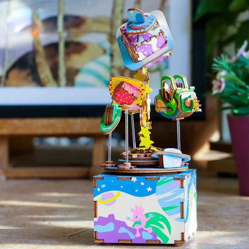 Robotime 3D Wooden Puzzle Toy DIY Wood Music Box Space Universe Planet Model Building Kit Toys For Children Gift Decoration