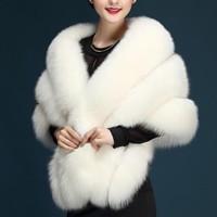 Dropshiping Luxury Brand Soild Faux Fox Shawl Ladies Wedding Cape Autumn Fur Coat Scarf Women Real Photo Shawl Warm Coat BA0327