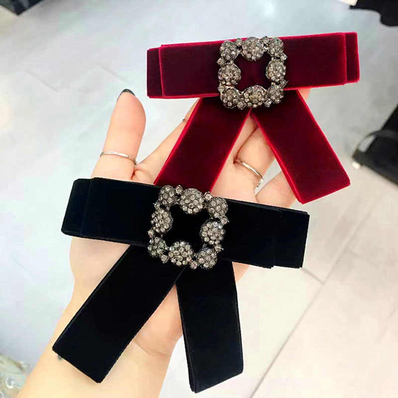 Korean Velvet Square Rhinestone Brooches for Women Girls Soild Color Flower  Pin Female Clothes Accessories Decorative 6e9c452cd095
