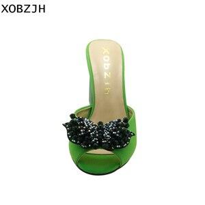Image 3 - Sandalias verdes con diamantes de imitación para mujer, zapatos de lujo sin cordones, de tacón alto, color verde, para verano, 2019