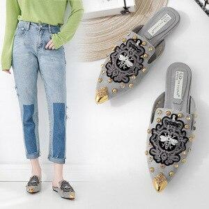 Image 2 - Swyivy sandália feminina casual, sapatos dedo do pé, bordado, chinelos meia sapatos de luxo para mulheres, sapatos casuais, verão 2019 40 40 unidades