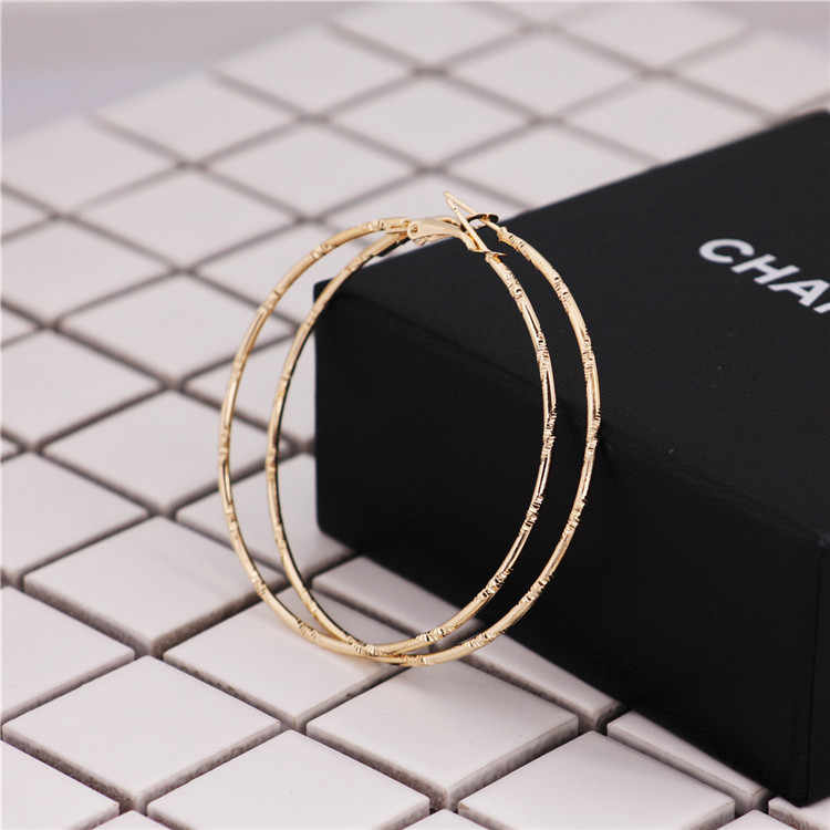 2019 new design brand earrings bamboo pattern simple earrings for women.