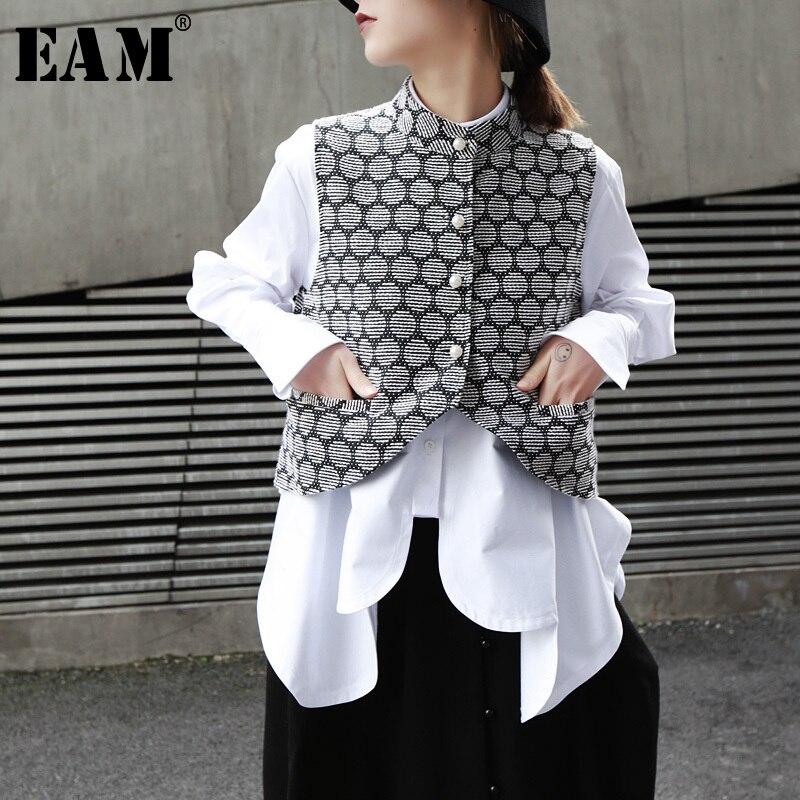 [EAM] 2020 New Spring Summer Stand Collar Sleeveless Jacquard Irregular Pearled Pocket Hem Loose Vest Women Fashion Tide JO196
