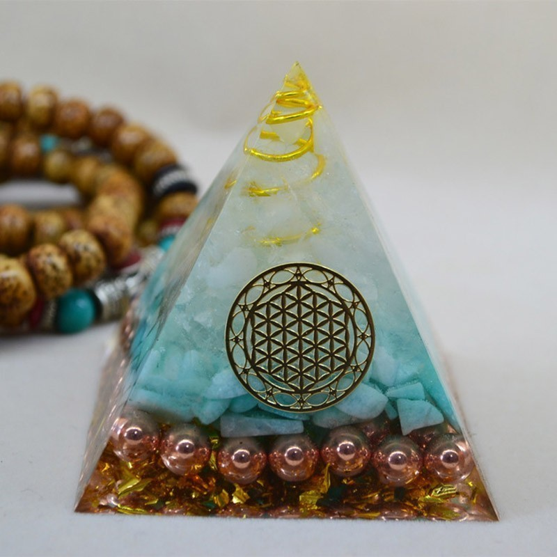 Natural Aura Tianhe Stone Crystal Orgonite Pyramid Energy Decoration Handmade Resin Decorative Craft Jewelry Bring Chakra Gift