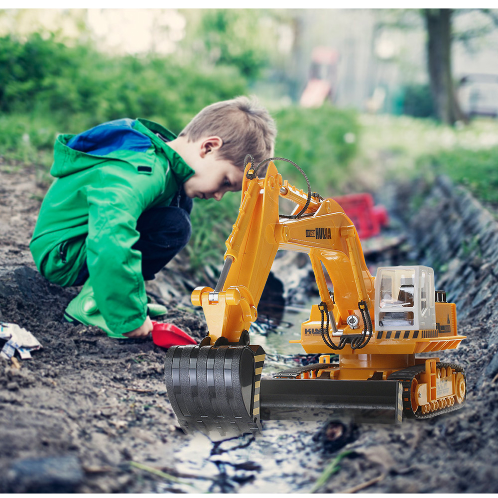 HUI NA TOYS 310 Kids RC Cars 11 Channel Wireless Remote Control Excavator Toy Supports Multiplayer Excavators Control 30 Meters