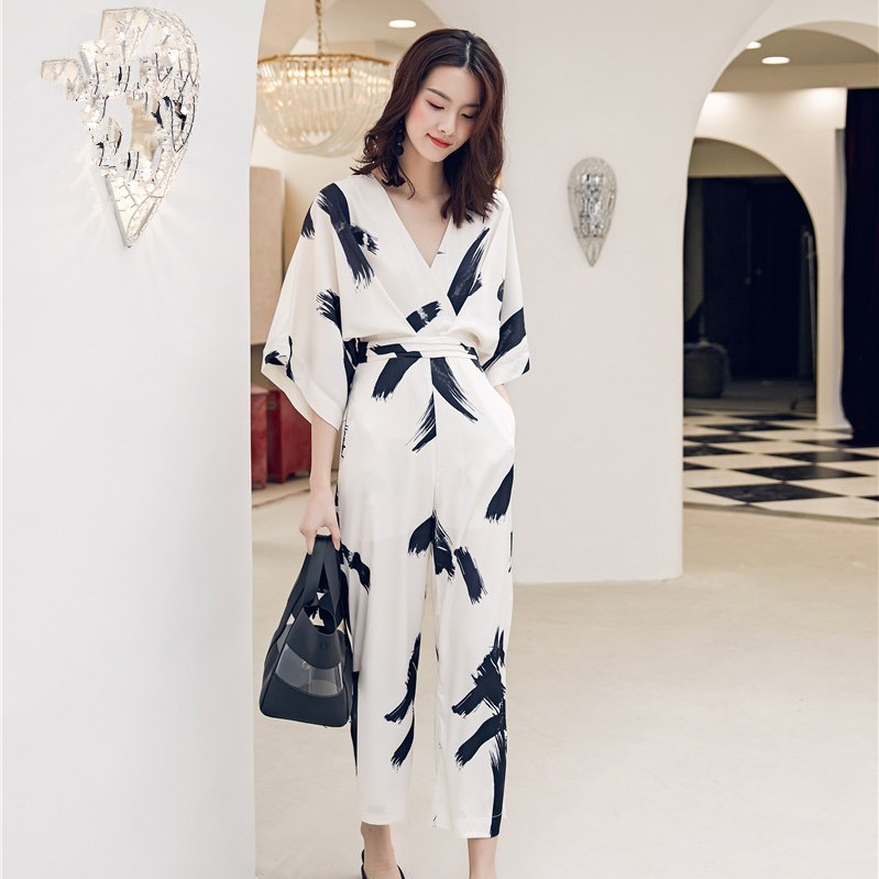 2019 Summer Vintage Ink Painting Print V Neck Jumpsuits Women Fashion Batwing Sleeve Wide-Leg Rompers Playsuits Female Pants
