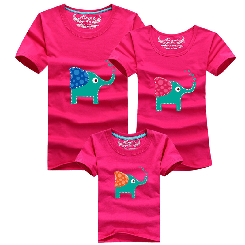 1Piece New Family Look Cartoon elephant T-shirts 8 färger Sommar Familj Matchande kläder Far & Mor & Kids Cartoon Outfits