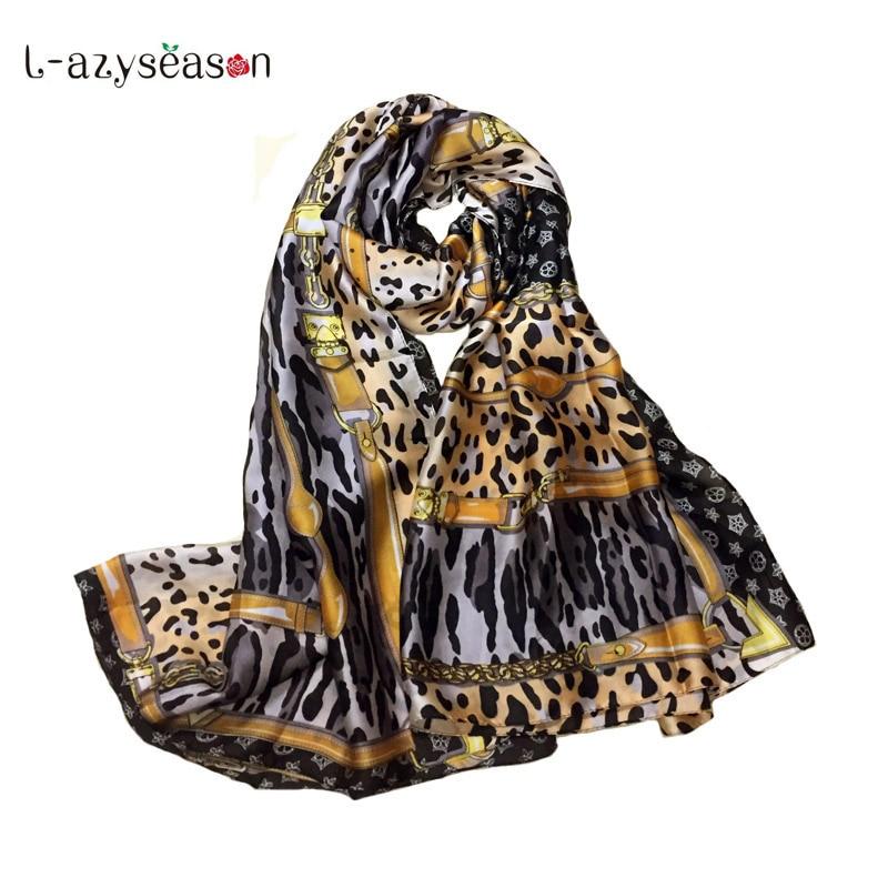 fd46b9a98097 2019 Nouveau Mode Tête de Soie Écharpe Femmes marque de luxe Imprimé  Léopard foulard femme Soyeux Echarpes Wraps châle de Dame haute qualité  dans Foulards ...