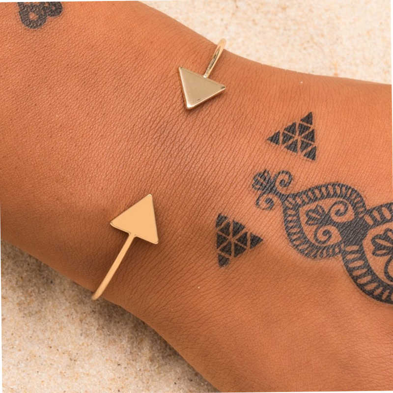 Drop Shipping Arrow Open Bracelets Gold Silver Black Triangle Geometric Bangle Bracelets for Women Simple Korean Fashion Jewelry