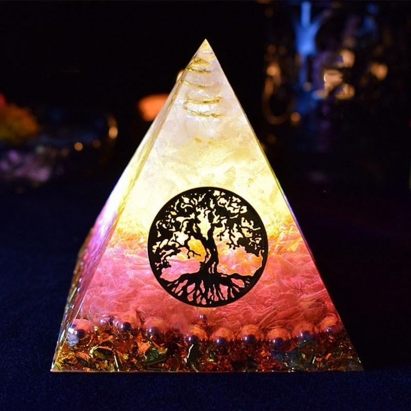 Aurareiki Orgonite Pyramid Ariel Maripura/Sahasrara Chakra Love Crystal Bring Lucky Stone Resin Pyramid Crafts Ornaments C0145