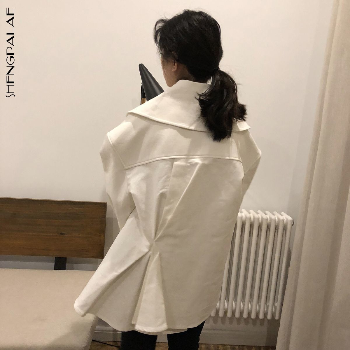 SHENGPALAE 2019 New Spring Fashion White Turn down Collar Irregular Pleated Single Breasted Loose Woman Coat