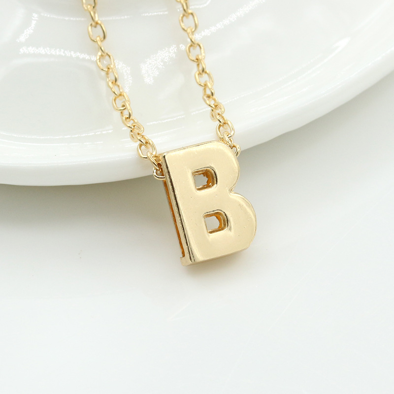 HPXmas Fashion Golden Necklace Letter Pendant Personalized 26 Alphabet Letter necklaces jewelry for Women Female girls Gift B80 in Pendants from Jewelry Accessories