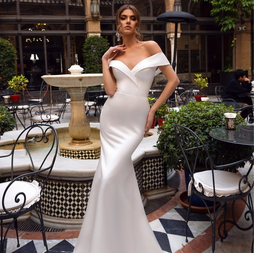 Sweetheart Neckline Lace Mermaid Wedding Dresses New 2019: Vivian's Bridal 2019 New Simple Satin Mermaid Reflective