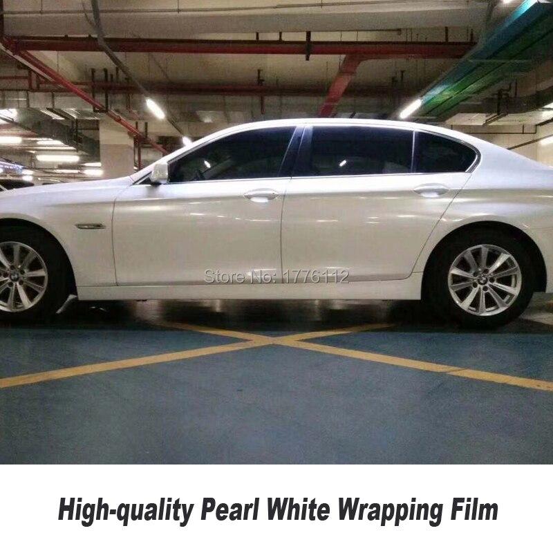 Film brillant blanc de vinyle de perle d'autocollant de vinyle pour la voiture enveloppant le petit pain 1.52*20m pour la taille de voiture Non déformation