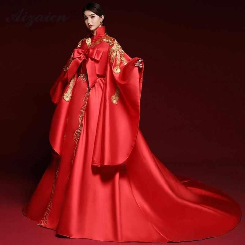 オリエンタルスタイル赤ホストガウンテーリングロングチャイナドレス現代の花嫁刺繍チーパオ女性の伝統的な中国のドレスのファッションショー
