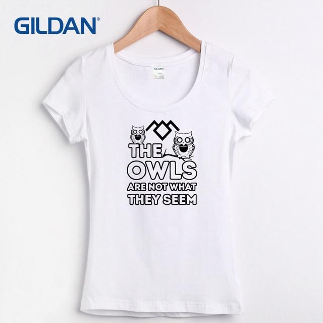 ce81f638826 Mulheres Camisa do Projeto T Picos Gêmeos Mostram As Corujas Não São O Que  Parecem ser