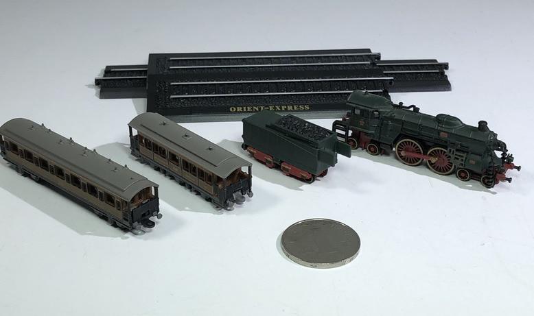 Classique Mini alliage vapeur moteur Train 1:220 modèle en plastique jouets fini Kit Collection cadeaux livraison gratuite