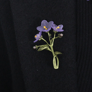 Image 3 - Gratis verzending Afrikaanse violet groene bloem accessoires broche