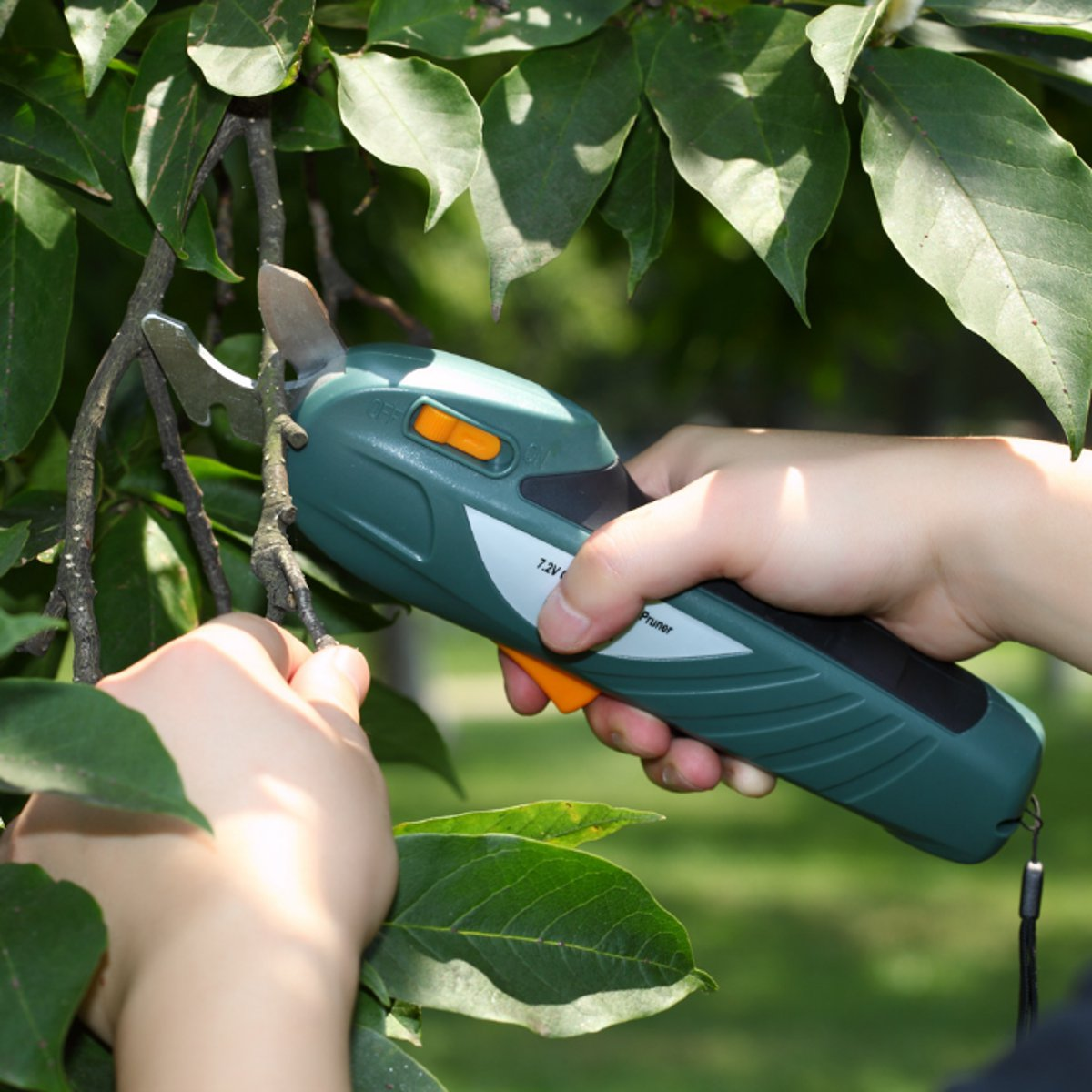 все цены на 7.2V Garden Orchard Tree Cutter Battery Pruning Shears Cutting Tools Cutter Electric Shears Snips Branch Pruning Tools Cordless онлайн