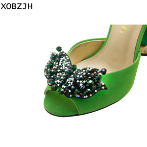 Image 5 - Sandalias verdes con diamantes de imitación para mujer, zapatos de lujo sin cordones, de tacón alto, color verde, para verano, 2019