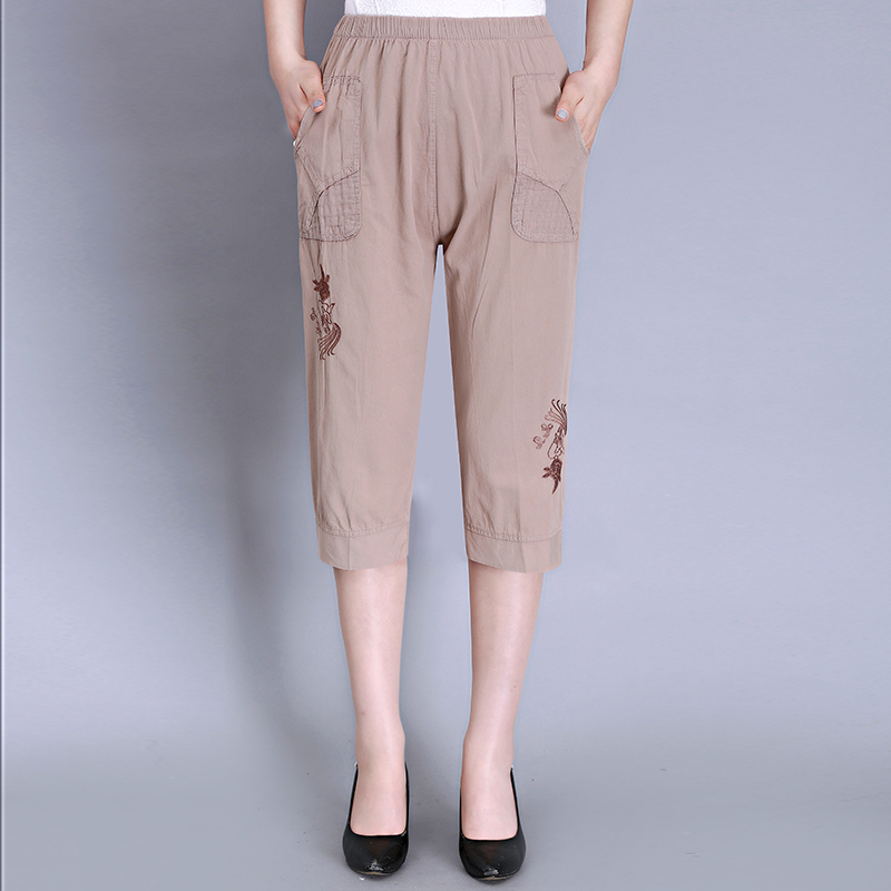 2020 Summer New Fahison Capris Middle Aged Women Casual Loose Embroidery Calf-length Pants Pantalones Mujer Plus Size S-4XL