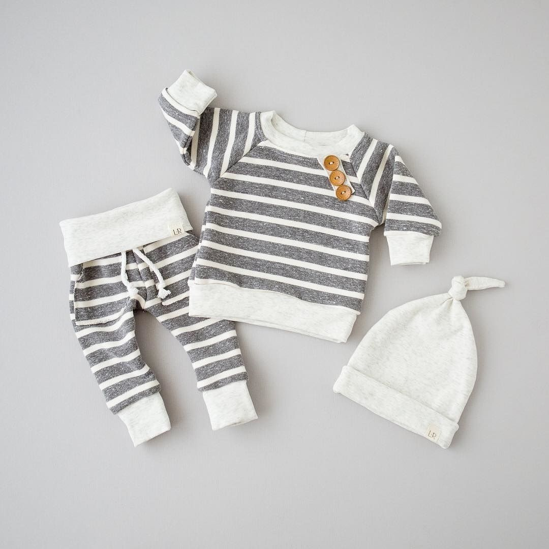 3 stück Langarm Streifen Tasten Decor Sweatshirt Top, Gestreifte Hose mit Hut Set Für Baby Jungen Herbst Kleidung