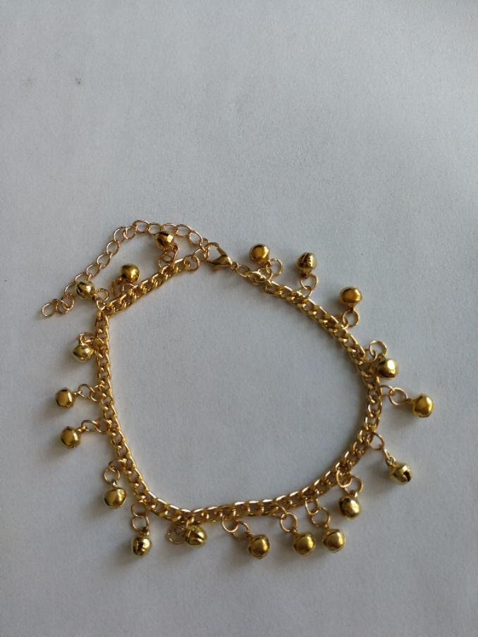 XIUFEN Women Anklet Indian Traditional Belly Dance Ghungroo Brass Anklet with Jingling Bells Gold-Toned Female Jewelry