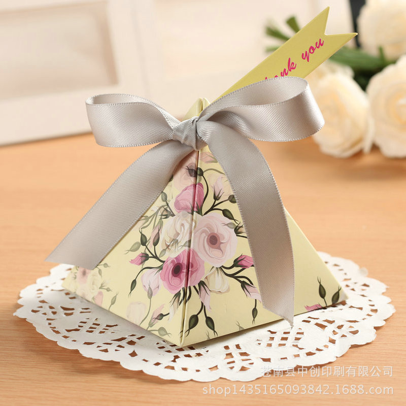 50 Pcs/lot Creative Gifts Box Baby Shower Favor Triangular Pyramid Wedding Favors Candy Boxes Bomboniera Party Supplies