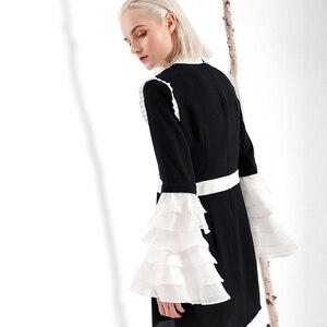 Image 4 - [EAM] 2020 nowa wiosna lato Ruffeled kołnierz długi, rozszerzony rękaw Hit kolorowy plisowana biała luźna sukienka kobiety mody fala YC001