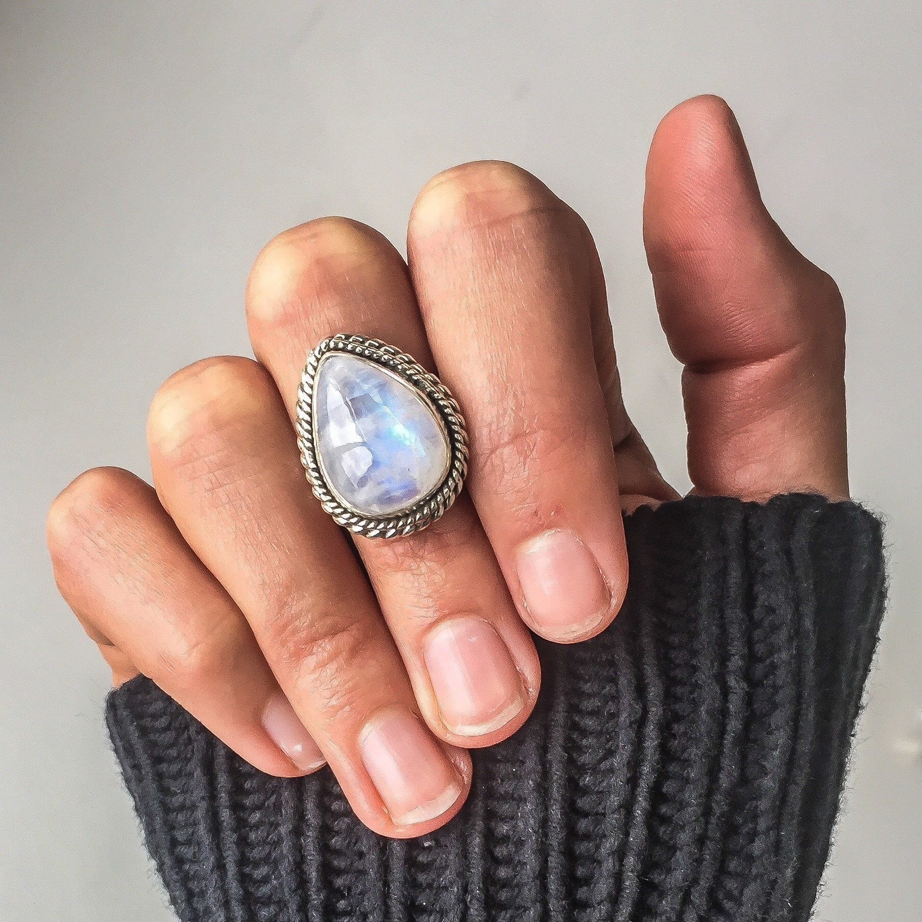 2019 New Big Drill Pear-shaped Moonstone Ring S925 Sliver Exaggerated Peridot Topaz Bizuteria Gemstone Of Jewelry Wedding Ring