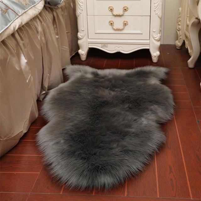 1pc Solid Bending Shape  Carpet  Floor  Bedroom Fluffy Decor Suitable Home Living Room Bedroom  2019 Fashion 40 x 60cm Carpet
