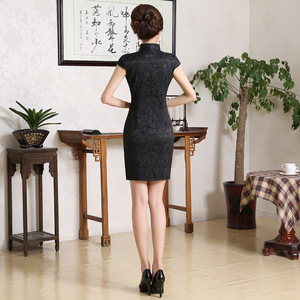 Image 2 - מזרחי פניקס שמלות שחור Qipao קצר רקום Cheongsam חצאית paillette שמלה סינית בציר XXXL בתוספת גודל