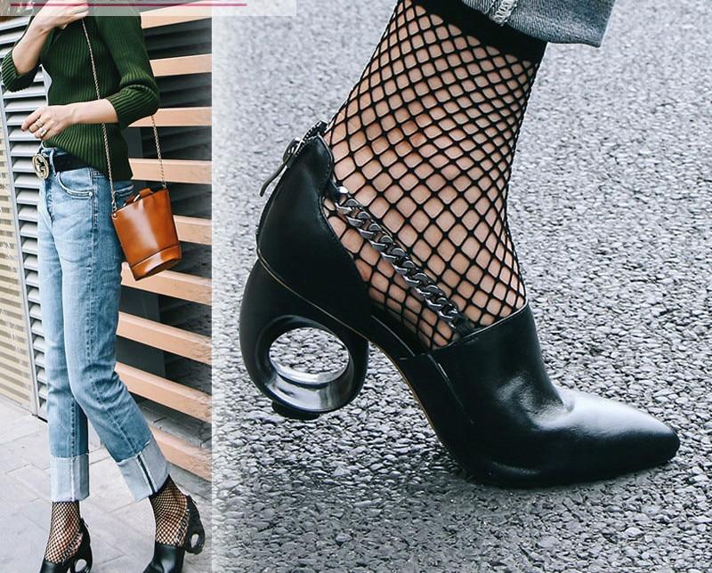 Carole Levy 2019 cercle creux spécial talons étranges bout pointu femme chaussures d'été chaîne décor mode Sexy dame fête sandales