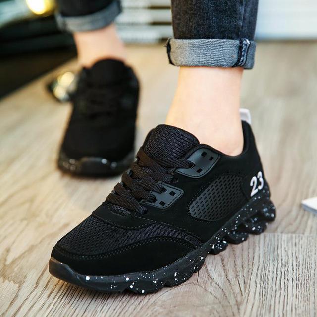 0b3e4d74ad8 2018 Moda Suede Formadores Mulheres Sneakers Tenis Feminino Sapatos Casuais  Coreano Tênis de Plataforma Preto Sapatas