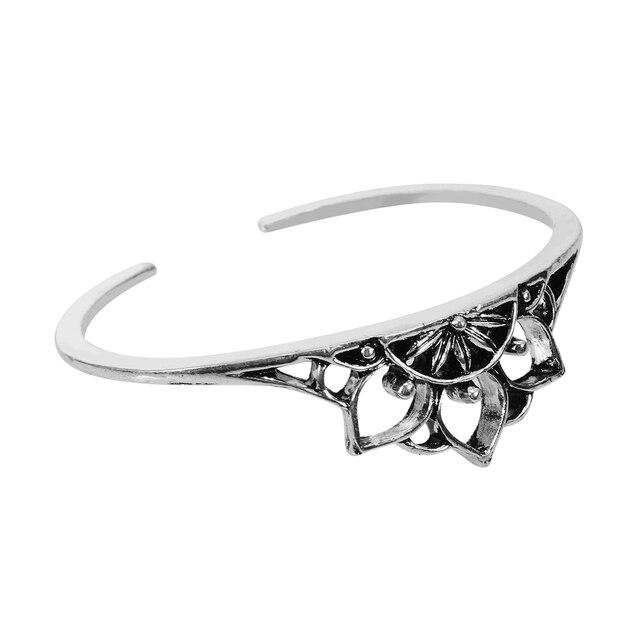 Ethnic Vintage Cuff Bangle Shellhard Carved Boho Hollow Flower Open Bracelets &