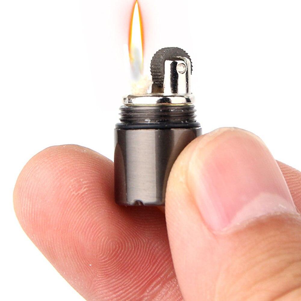 Mini briquet kérosène Compact porte-clés Capsule essence briquet gonflé porte-clés essence briquet outils d'extérieur