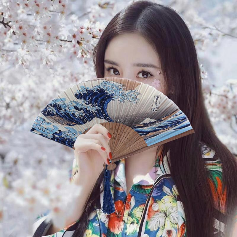Real Silk Hand Fan Mount Fuji Kanagawa Waves Japanese Folding Fan Pocket Fan Wedding Accessories Decoration Gift Event Supplies