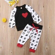 Модный детский костюм комплект на День святого Валентина для новорожденных мальчиков и девочек, топы с принтом в виде сердца, толстовка длинные штаны, одежда для детей от 0 до 24 месяцев