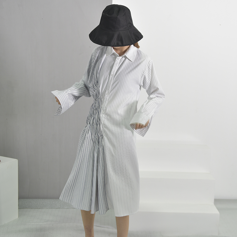 [DEAT] 2018 nouveau été mode marée blanc rayé col rabattu simple boutonnage manches longues plissée femme robe WA388