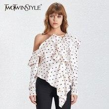 TWOTWINSTYLE Blusa ajustada de lunares con manga abombada y hombros descubiertos para mujer, camisa con volantes irregulares, moda de verano 2020