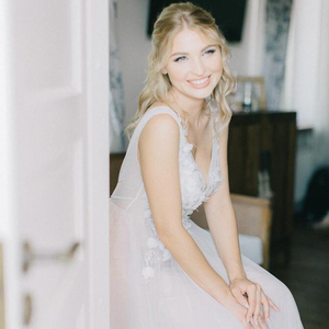 Image 4 - Dusty Blueดอกไม้งานแต่งงานชุดTulleกระโปรงVคอชุดเจ้าสาวBoho Bohemian Lorie Gownsแต่งงานโรแมนติกแขนกุด