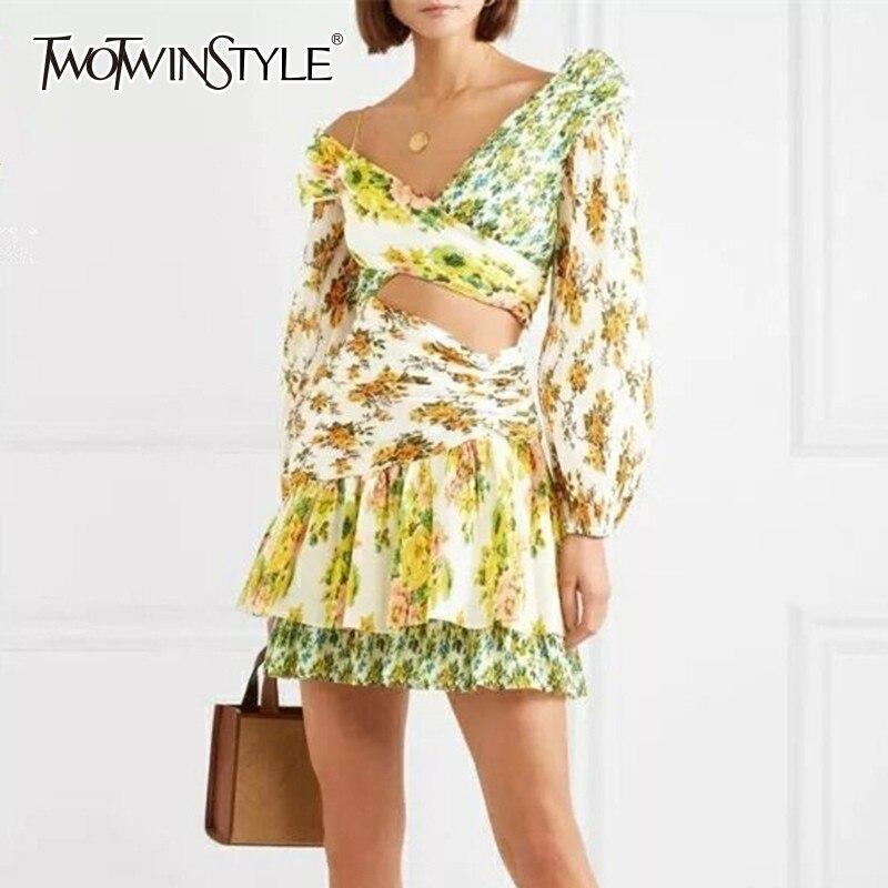 Twotwinstyle 오프 숄더 할로우 아웃 여성 드레스 랜턴 슬리브 히트 색상 인쇄 미니 드레스 여성 패션 가을 2019-에서드레스부터 여성 의류 의  그룹 1