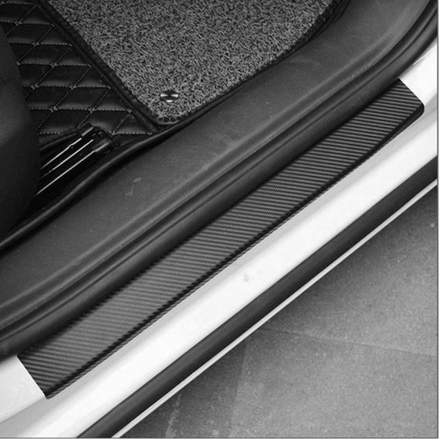 4 sztuk uniwersalna uszczelka do drzwi samochodu z włókna węglowego naklejki odporne na zadrapania wodoodporna Auto próg ochrony towarów odlewnictwo taśmy stylizacji